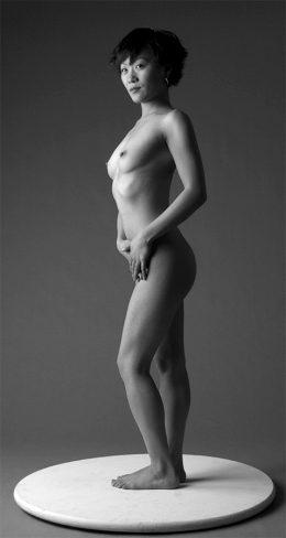 Asiatica desnuda!!