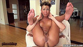 Bella Bellz gets her arse reamed.