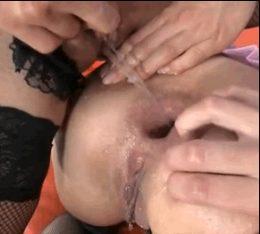 Gaped Anal Piss Hole