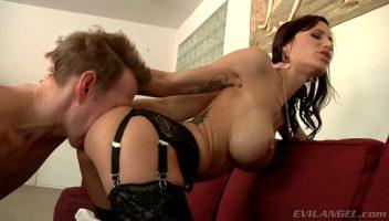 Gorgeous Gia Dimarco Prepares For Butt-Sex
