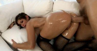 pumping her ass
