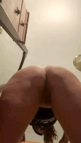 Spreading ass to your face